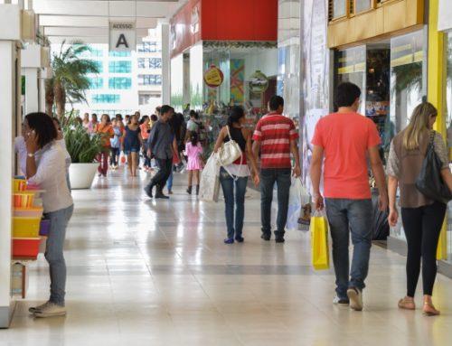 Varejo brasileiro tem queda de 0,7% em março