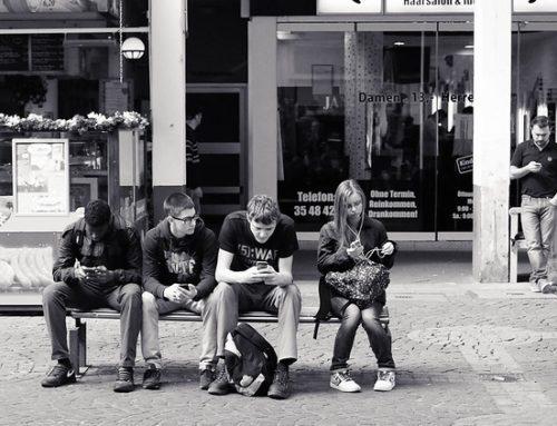 82% dos internautas brasileiros já experimentaram comprar através de app ou site no smartphone