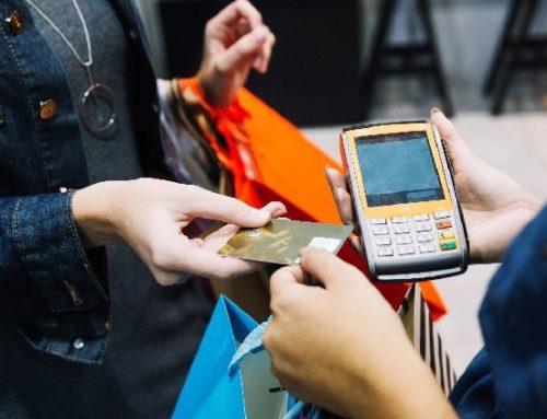 Mais da metade dos brasileiros possuem compras parceladas