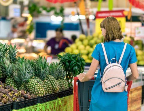 Mulheres são responsáveis pela compra em 96% dos lares