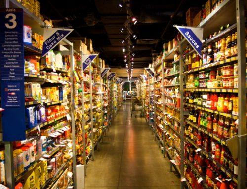 Saiba como o brasileiro pesquisa preços dos supermercados