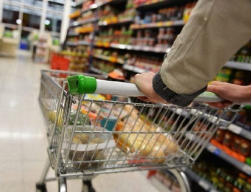 Mesmo com confiança em alta, consumidor ainda tem cautela para gastar