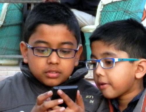 Aumenta a proporção de crianças de 4 a 6 anos com smartphone próprio no Brasil