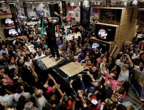 Fluxo de pessoas nas lojas deve ser 87% maior na Black Friday