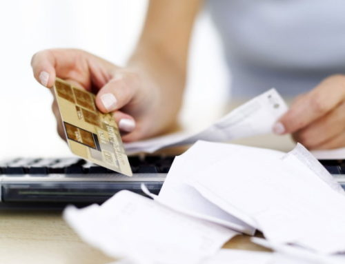 Quase 64% das famílias estão endividadas e sem perspectiva de consumo